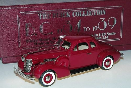 Brooklin Models, 1938 Buick Special Sport Coupe M-46s, dunkelrot, 1/43