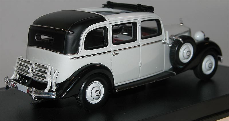 Esval models 1936 40 mercedes benz 260d pullman grau 1 43 for Where mercedes benz cars are made