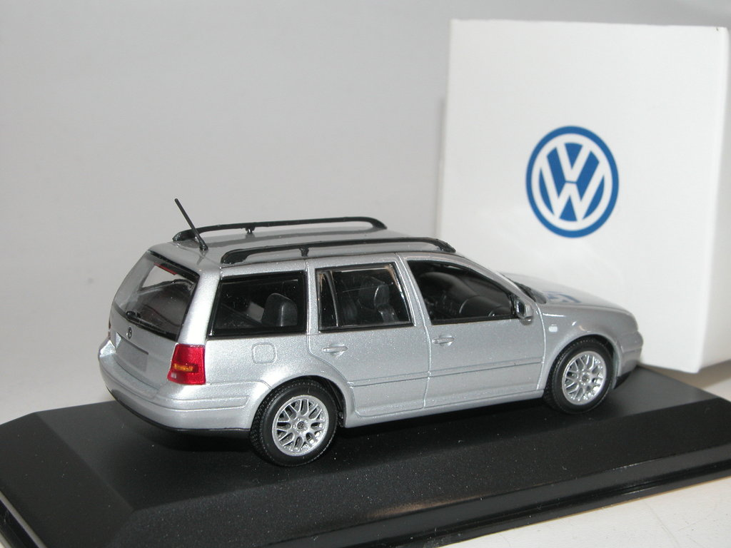 minichamps 1998 vw golf iv variant silber werbemodell. Black Bedroom Furniture Sets. Home Design Ideas