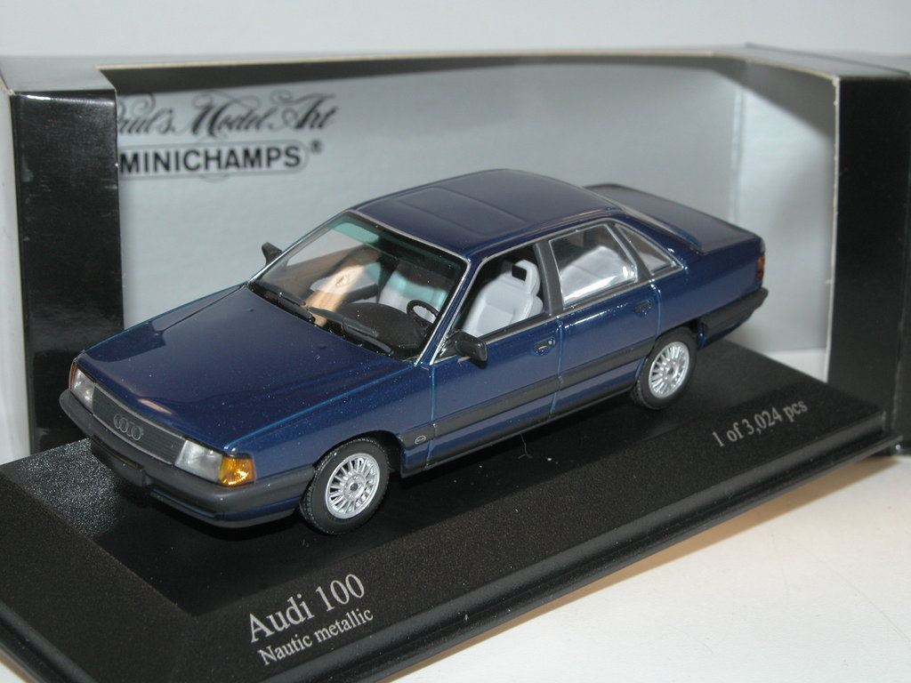 minichamps 1990 audi 100 limousine blau metallic 1 43 sehr. Black Bedroom Furniture Sets. Home Design Ideas