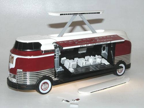 TSM Model, 1954 GM Futurliner PARADE OF PROGRESS, Bus 1/43