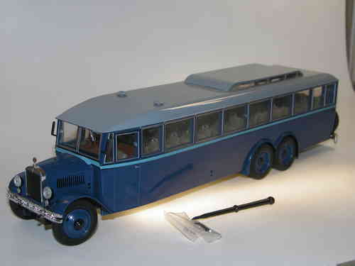 Ultra Models 3-Achs City Bus YaA-2 USSR 1932 blau 1/43