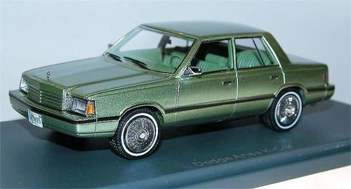 Neo Scale Models 1983 Dodge Aries K grün metallic 1/43