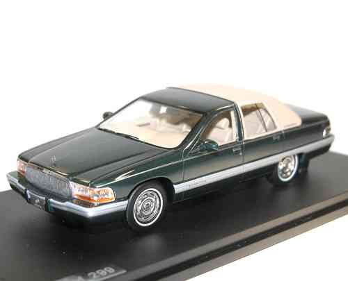 Great Lighting Models, 1994 Buick Roadmaster Sedan,  grün metallic 1/43