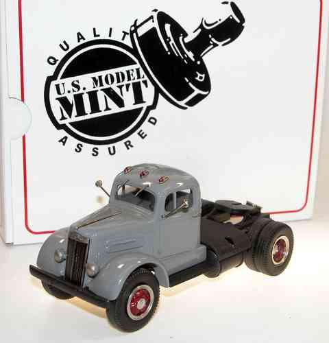 US Model Mint, 1951 White Mustang WC 22 Semi-Tractor, grey, 1/43