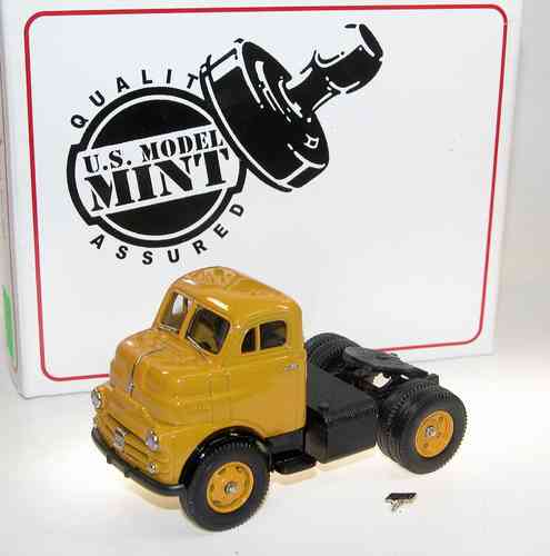 US Model Mint 1953 Dodge COE Semi-Tractor gelb 1/43