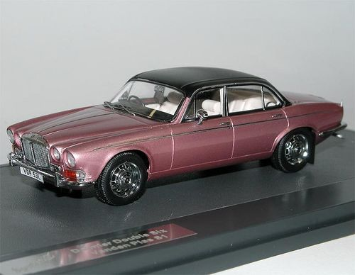 Matrix 1973 Daimler Double Six Vanden Plas S1 1/43