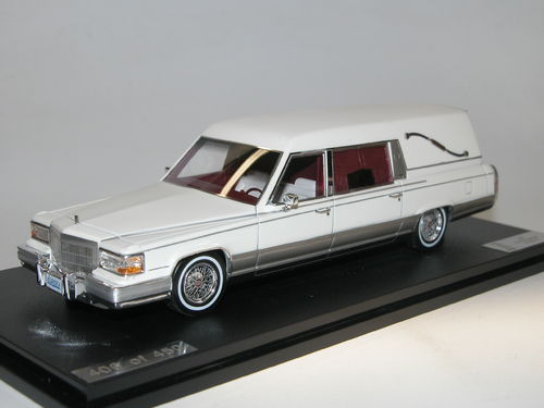 Great Lighting Models, 1991 Cadillac Eureka Concours Hearse, white 1/43