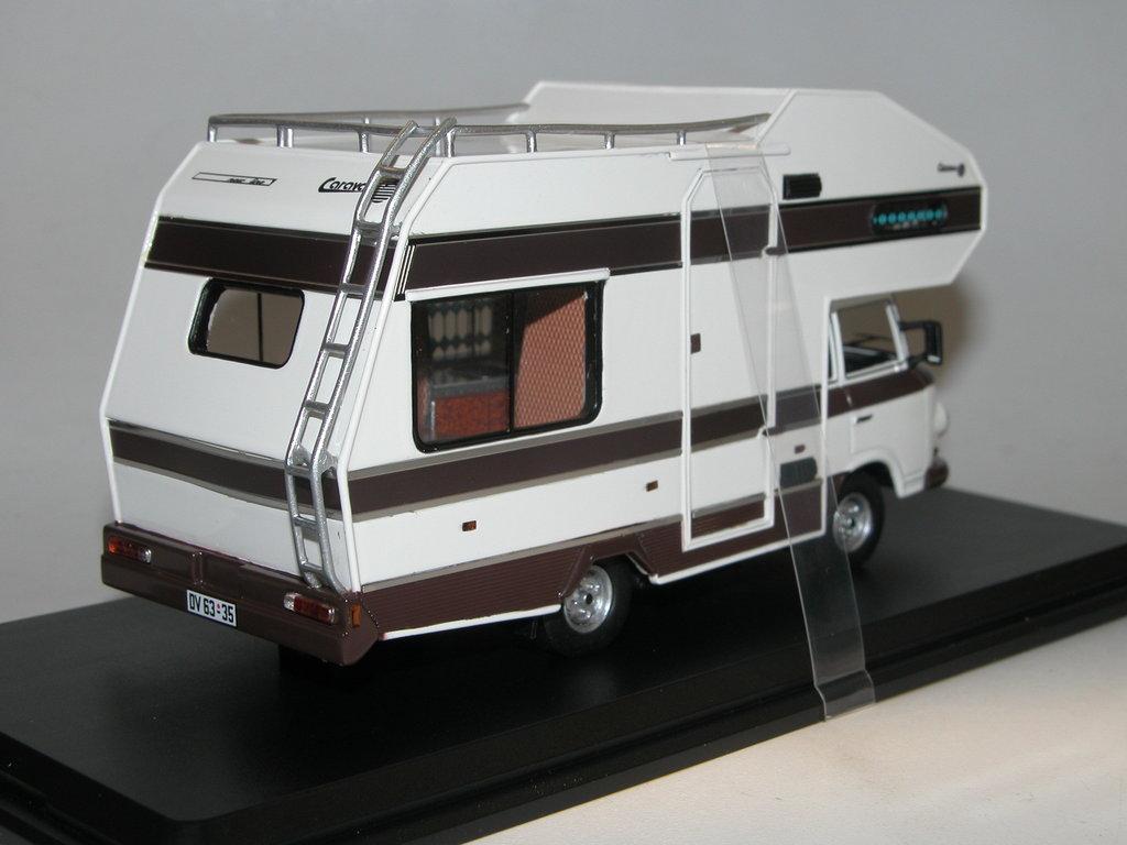 Barkas B1000 Wohnmobil 1973 Modellauto IST297MR IXO IST 1:43