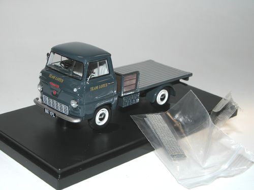 AutoCult 1964 Ford Thames 400E Renntransporter TEAM LOTUS, 1/43