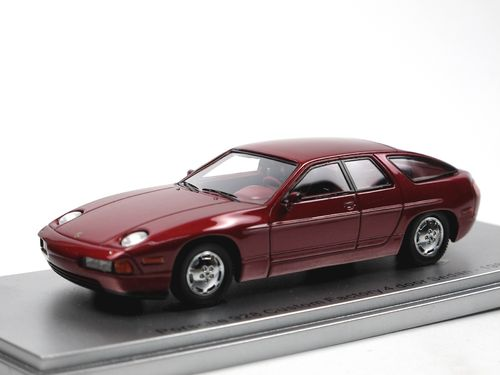 Kess 1986 Porsche 928 4-Türer purple metallic 1/43