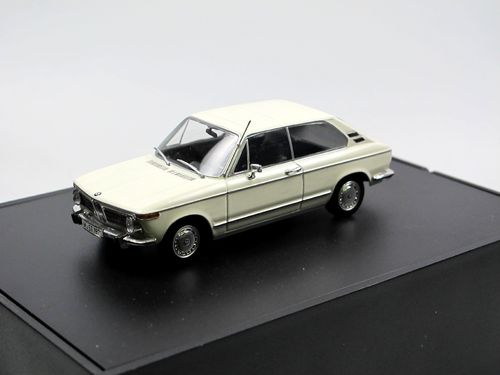 Minichamps 1971 BMW 1600 Touring weiß 1/43
