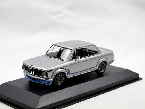 Maxichamps 1973 BMW 2002 Turbo silber 1/43
