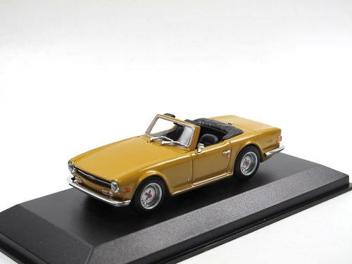 Maxichamps 1968 Triumph TR6 Roadster orange 1/43