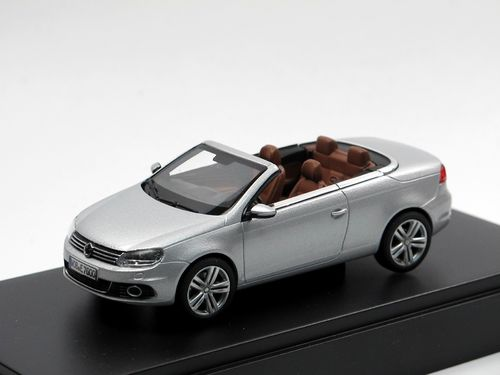 Kyosho 2011 VW Eos Cabriolet silber 1/43