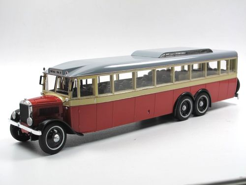 Ultra Models 1932 3-Achs City Bus YaA-2 USSR rot Die-Cast 1/43