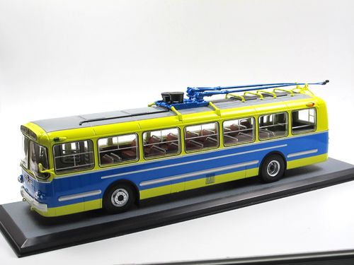 Classic Bus City Trolleybus ZIU-5 USSR O-Bus 1961 1/43