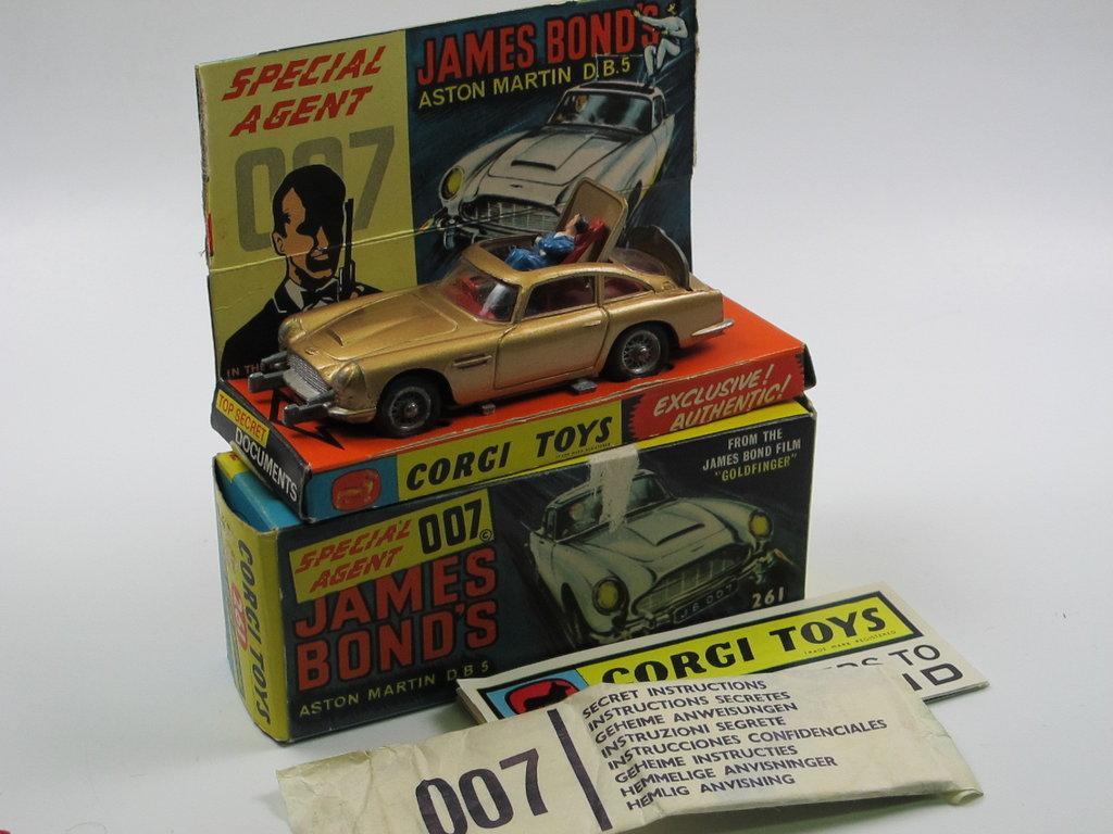Corgi Toys 261 James Bond Aston Martin Db5 Gold In Box W Papers