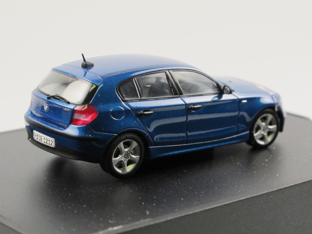 kyosho bmw 1er 120i e87 2004 2011 blau metallic 1 43. Black Bedroom Furniture Sets. Home Design Ideas