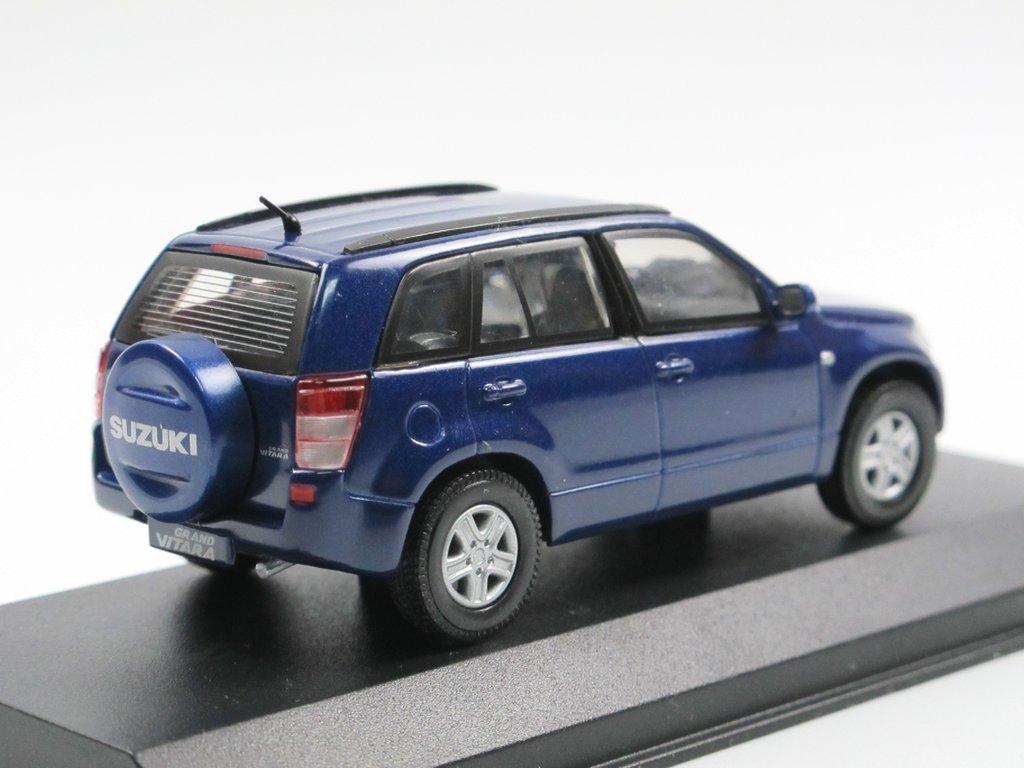 Rietze 2006 Suzuki Grand Vitara 5 Turer Blau 1 43