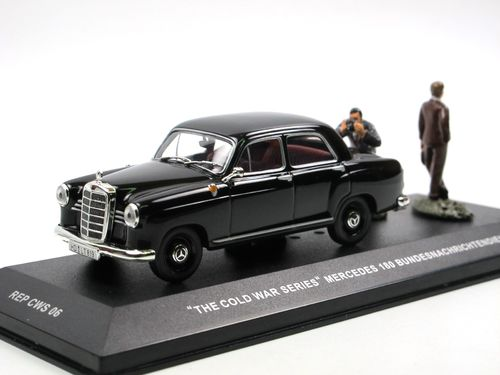 IXO Mercedes-Benz 180D Cold War Series BND 1/43 Figuren