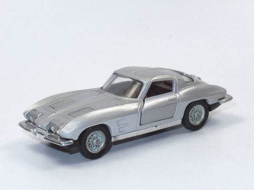 Auto Pilen 300 Chevrolet Corvette Stingray 1/43