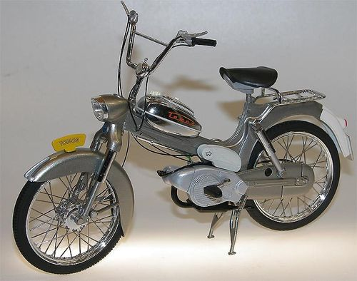 WSI Collectibles - TOMOS 3L Moped (Puch) silber 1/10