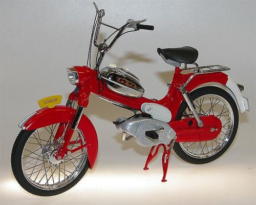 WSI Collectibles - TOMOS 2L Moped (Puch) rot 1/10