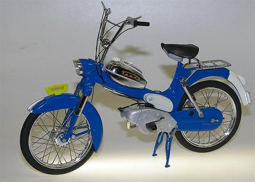 WSI Collectibles - TOMOS 3L Moped (Puch) blau 1/10