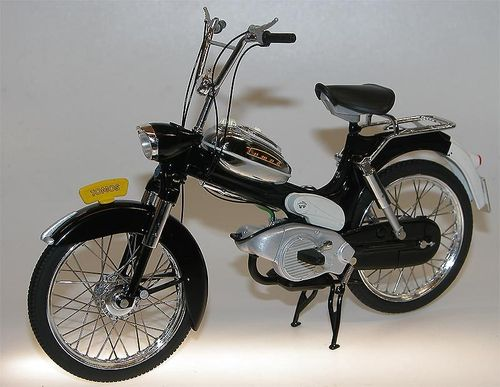 WSI Collectibles - TOMOS 2L Moped (Puch) schwarz 1/10
