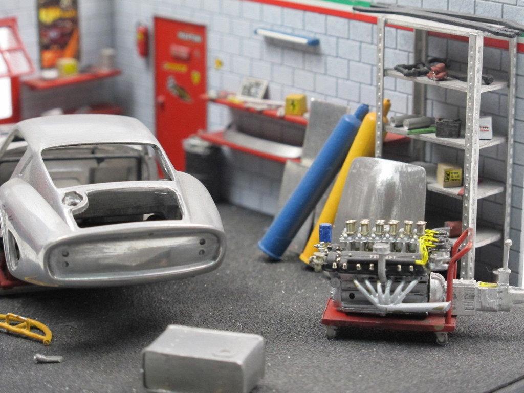 High Tech Modell Garage Mit Ferrari 1 43 Factory Built Unikat