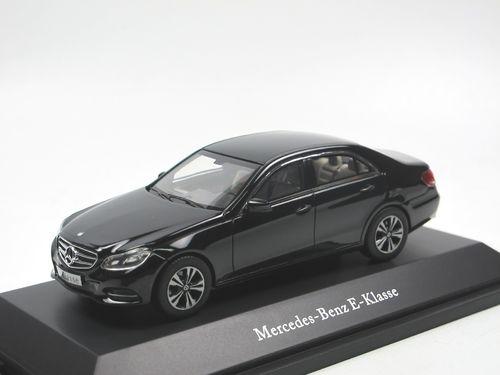 mercedes benz modellautos in 1 43 und 1 18. Black Bedroom Furniture Sets. Home Design Ideas