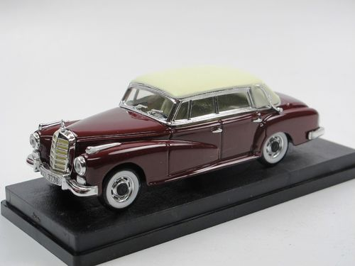 RIO 1958 Mercedes-Benz W 189 300 D Cabriolet rot 1/43