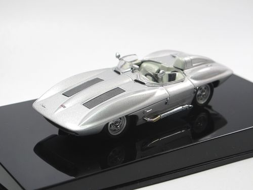 AutoArt 1959 Chevrolet Corvette Stingray silver 1/43