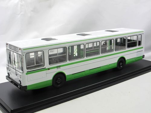 Start Scale Models LIAZ 5256 1986-1996 weiß/grün Bus 1/43