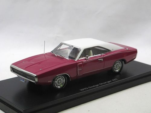 Auto World 1970 Dodge Charger R/T pink/weiß 1/43