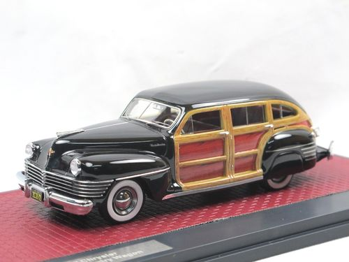 Matrix 1942 Chrysler Town & Country Wagon black 1/43