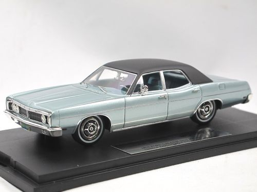 Goldvarg Collection 1970 Ford Galaxie grey/black 1/43