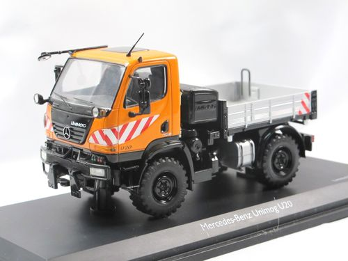 Schuco Mercedes-Benz Unimog 405 U20 Pritsche orange 1/43