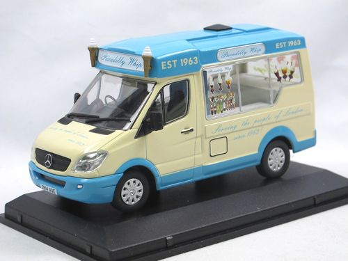 Oxford Whitby Mondial Ice Cream Van PICCADILLY WHIP 1/43
