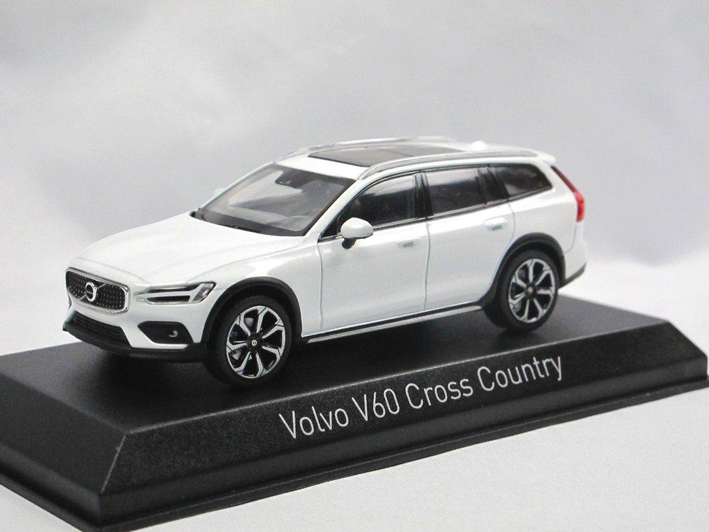 Volvo V60 Cross Country 2019 Cristal white 1:43 Norev diecast