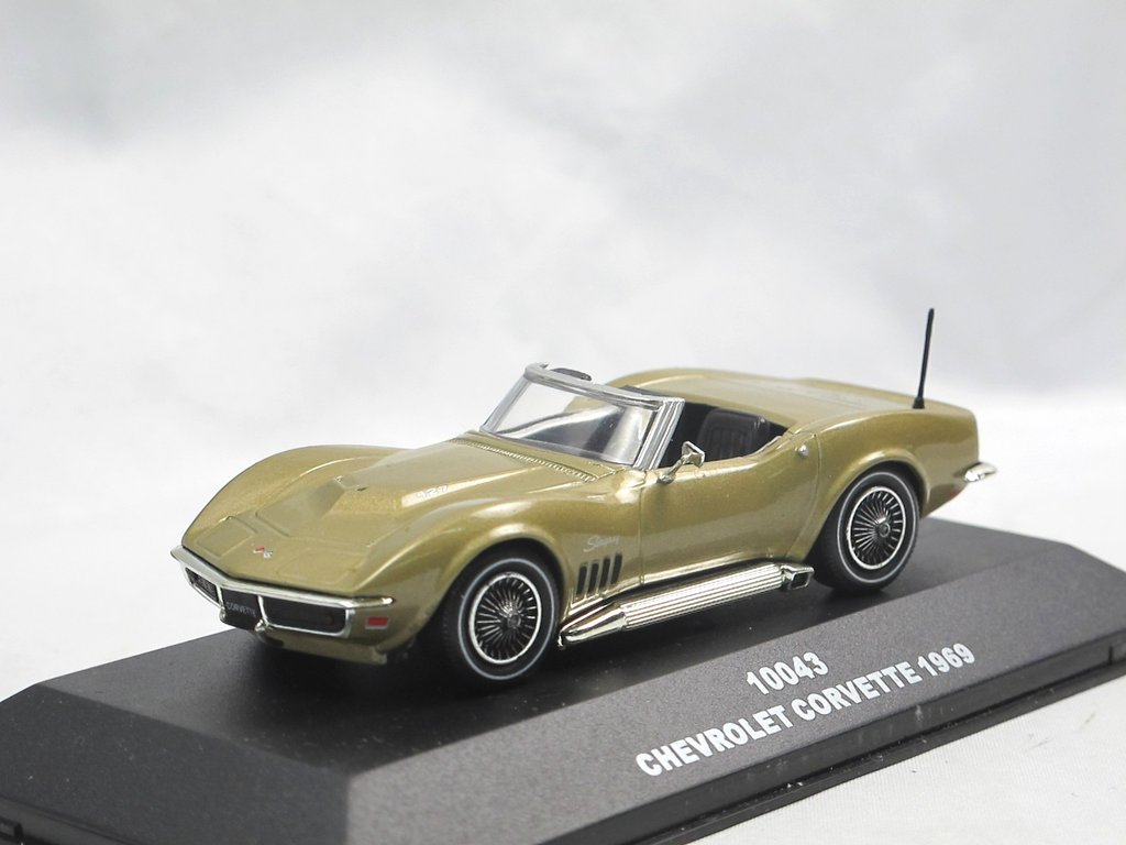 Sun Star 1969 Chevrolet Corvette Stingray Gold Modellauto 1 43