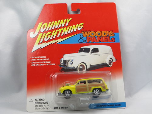 Johnny Lightning Woodys & Panels 1950 Mercury Woodie 1/64