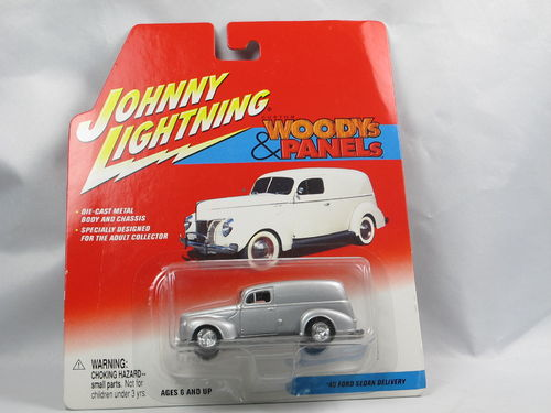 Johnny Lightning Custom Woodys 1940 Ford Sedan Delivery 1/64
