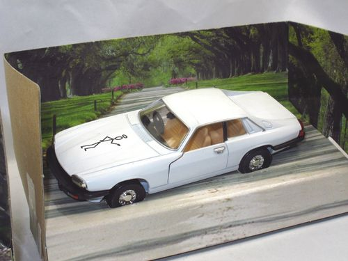 Corgi Jaguar XJS RETURN OF THE SAINT Simon Templar 1/36