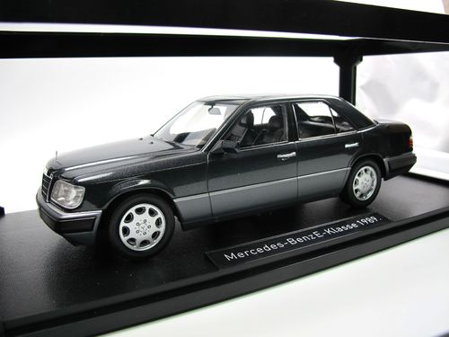 iScale 1989 Mercedes-Benz E-Klasse W124 blue black 1/18